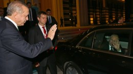 File Photo: A handout photo made available by the Turkish Presidential Press Office shows Turkish President Recep Tayyip Erdogan (L) wave goodbye to Russian President Vladimir Putin (R) after their meeting in Ankara.  EPA, TURKISH PRESIDENTAL PRESS OFFICE, HANDOUT HANDOUT EDITORIAL USE ONLY, NO SALES