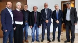 File Photo: Οι Κύπριοι Ευρωβουλευτές Λευτέρης Χριστοφόρου, Νεοκλής Συλικιώτης, Κώστας Μαυρίδης, Δημήτρης Παπαδάκης και Ελένη Θεοχάρους συνοδευόμενοι από την Εκπρόσωπο Τύπου του Γραφείου του Ευρωπαϊκού Κοινοβουλίου στην Κύπρο Αλεξάνδρα Ατταλίδου. ΚΥΠΕ, ΚΑΤΙΑ ΧΡΙΣΤΟΔΟΥΛΟΥ