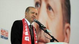 Ο Τούρκος Πρόεδρος ζήτησε να μην ακυρωθούν οι «υπηκοότητες» που έχουν δοθεί σε κάποιους Τούρκους πολίτες.  Φωτογραφία: Πηγή Τουρκική Προεδρία