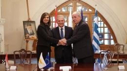 FILE PHOTO. Ο Επίτροπος Προεδρίας για Ανθρωπιστικά Θέματα και Θέματα Αποδήμων κ. Φώτης Φωτίου υπογράφει Πρωτόκολλο Συνεργασίας μεταξύ Κύπρου-Ελλάδας-Αιγύπτου. KYΠΕ, ΓΤΠ, Σ.ΙΩΑΝΝΙΔΗΣ