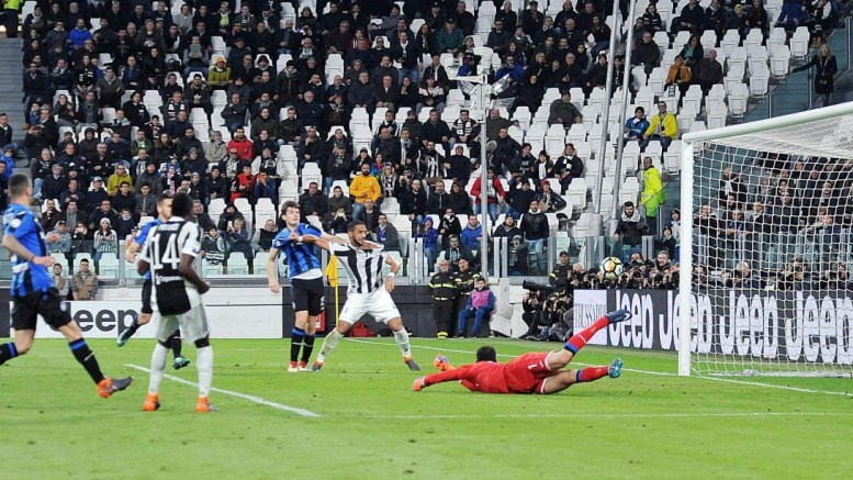 Juventus's Blaise Matuidi (2-L) scores during the Italian Serie A soccer match between Juventus FC and Atalanta BC at Allianz Stadium in Turin, Italy, 14 March 2018. EPA.ALESSANDRO DI MARCO