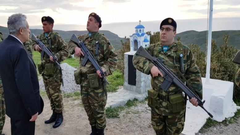 Ο αναπληρωτής υπουργός Εθνικής Άμυνας, Φώτης Κουβέλης, επιθεωρεί άγημα στον Άη Στράτη Πηγή: ΓΕΣ