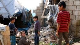 "File Photo: ""Οι βομβαρδισμοί είναι σχεδόν αδιάκοποι και αυτό σημαίνει ότι τα παιδιά βλέπουν τη βία, βλέπουν τον θάνατο, τους ακρωτηριασμούς"", σημειώνει η επικεφαλής της UNICEF στην περιοχή. EPA, AREF WATAD"