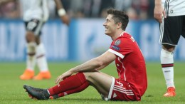 Bayern's Robert Lewandowski reacts during the UEFA Champions League round of 16, second leg soccer match between Besiktas Istanbul and FC Bayern Munich in Istanbul, Turkey, 14 March 2018. EPA, TOLGA BOZOGLU