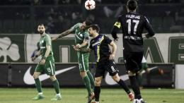 Ο παίκτης του Παναθηναϊκού, Δημήτρης Κουρμπέλης (2Α), διεκδικεί την κατοχή της μπάλας από τον παίκτη του Αστέρα Τριπόλεως, Χουάν Μουνάφο (Κ), κατά τη διάρκεια του αγώνα ποδοσφαίρου Παναθηναϊκός-Αστέρας Τρίπολης για την 25η αγωνιστική του πρωταθλήματος Super League, που διεξήχθη στο γήπεδο Απόστολος Νικολαΐδης, Αθήνα, Σάββατο 10 Μαρτίου 2018. Ο αγώνας έληξε με ισοπαλία 1-1.  ΑΠΕ-ΜΠΕ, ΓΕΩΡΓΙΑ ΠΑΝΑΓΟΠΟΥΛΟΥ