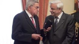 FILE PHOTO. Ο Πρόεδρος της Δημοκρατίας Προκόπης Παυλόπουλος (Δ) μαζί με το δημοσιογράφο Χρήστο Πασαλάρη (Α). ΑΠΕ-ΜΠΕ, Αλέξανδρος Μπελτές