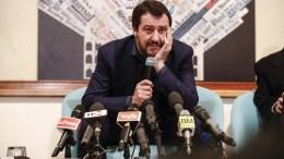 Τα αποτελέσματα των εκλογών στην Ιταλία και οι  δηλώσεις του  Σαλβίνι (εικονιζόμενος)  κατά του ευρώ, απέδειξαν ότι ο κίνδυνος για την ευρωζώνη δεν έχει παρέλθει, εκτιμούν  ευρωπαίοι οικονομολόγοι.   14 March 2018. EPA, GIUSEPPE LAMI