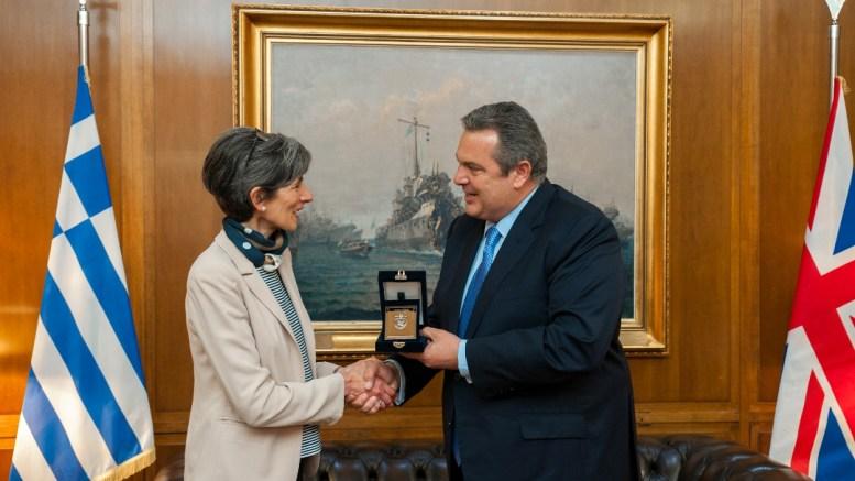 File Photo: Ο υπουργός Εθνικής Άμυνας Πάνος Καμμένος συναντήθηκε με τη νέα Πρέσβη του Ηνωμένου Βασιλείου Kate Smith, με την οποία συζήτησαν θέματα διμερούς αμυντικού ενδιαφέροντος, καθώς και τη δυνατότητα συνάντησης εκπροσώπων αμυντικών βιομηχανιών των δύο χωρών στο προσεχές μέλλον, στο Υπουργείο. ΑΠΕ- ΜΠΕ, ΓΡΑΦΕΙΟ ΤΥΠΟΥ ΥΠΕΘΑ , STR
