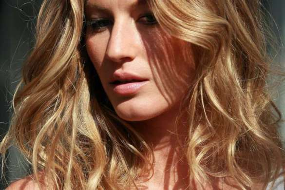 Gisele Bundchen - Beachy Hair