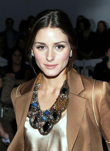 olivia-palermo-wearing-statement-necklace
