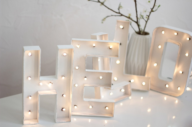 diy lettres lumineuses h ll blogzine. Black Bedroom Furniture Sets. Home Design Ideas