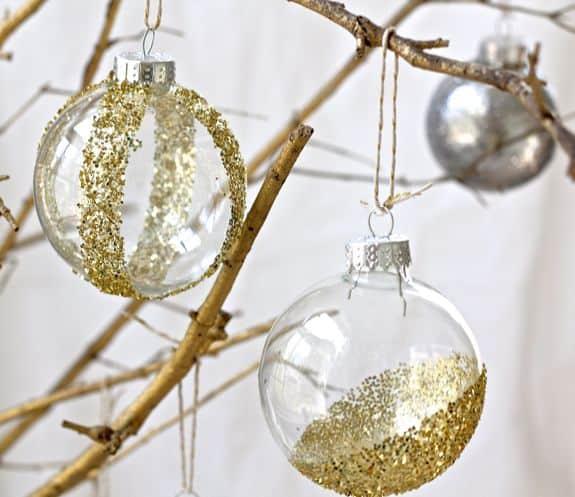 DIY Glitter Ornaments | HelloGlow.co