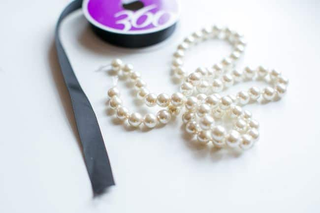 DIY Necklace with pearls | Hello Glow