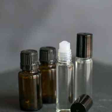 How to Make Aromatherapy Relief Roll-ons for Headaches, Cramps + Insomnia