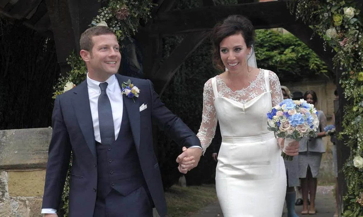 Koppang Look Back At Small Fortune Host Dermot O Leary S Wedding To Dee