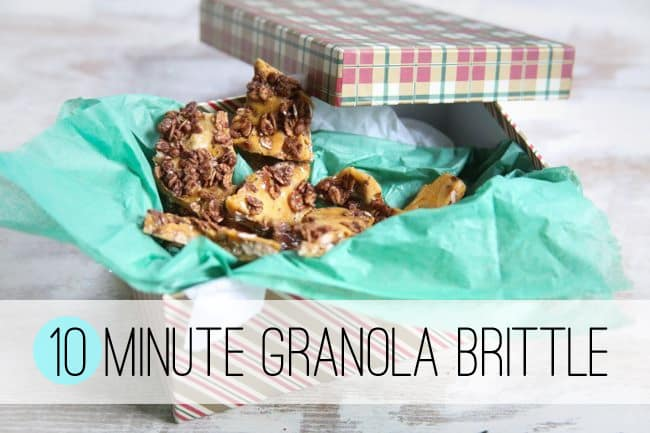 Granola Brittle | 101 Best Christmas Cookies to Make This Year | HelloNatural.co