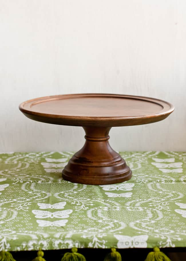 thanksgiving centerpiece - wooden cake stand