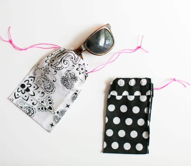 DIY No Sew Sunglasses Case   HelloNatural.co