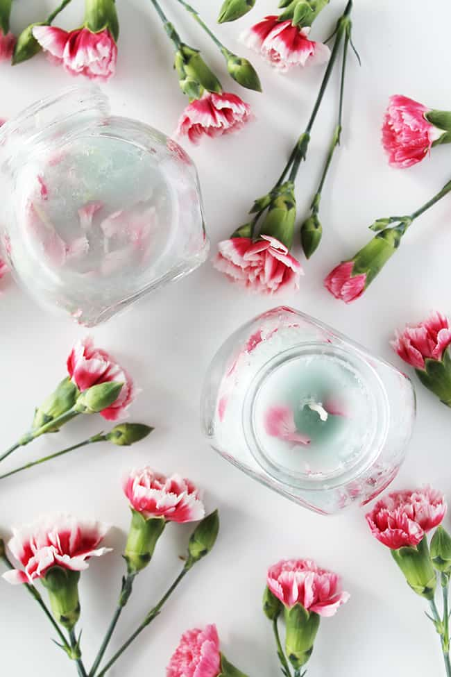 diy-carnation-petals-candle-10-1