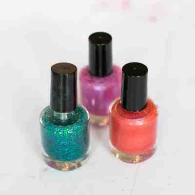 How To: Make Your Own Nail Polish | HelloNatural.co