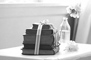 bampw-black-amp-white-black-and-white-book-books-Favim.com-403471
