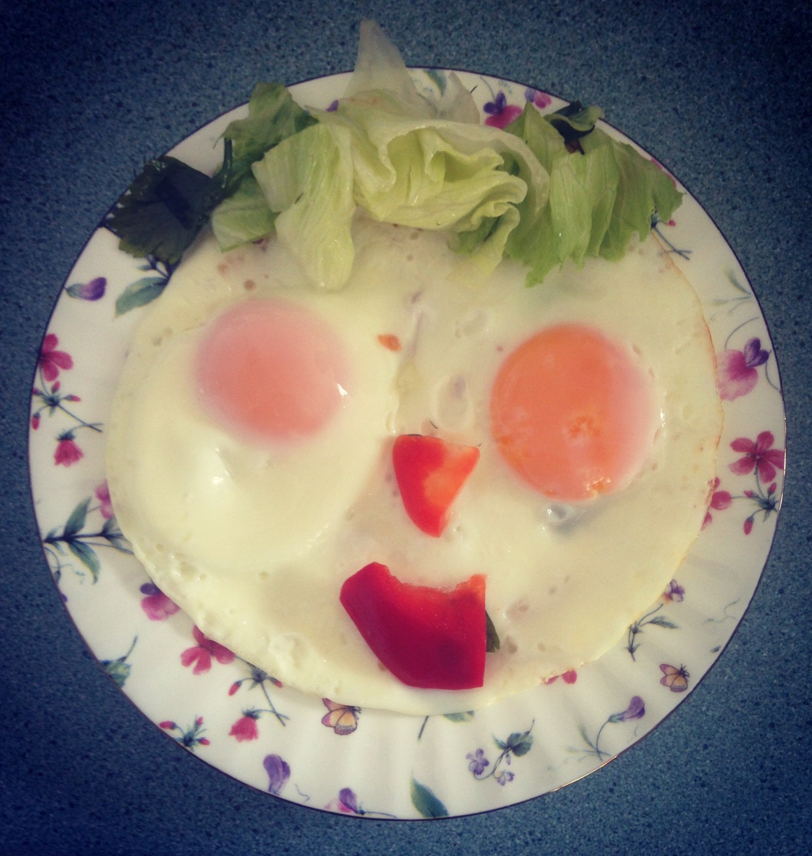 Kids Breakfast: Adorable Sunny-Side Smile