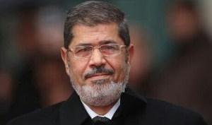 عمرو أديب صارخًا: يبدو إن مرسي لازم يرجع
