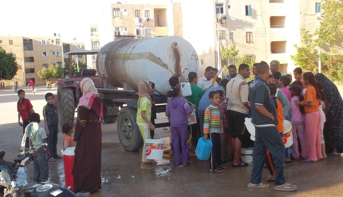 «شارك».. أهالي حلوان يشكون من ضعف مياه الشرب وانقطاعها لفترات طويلة