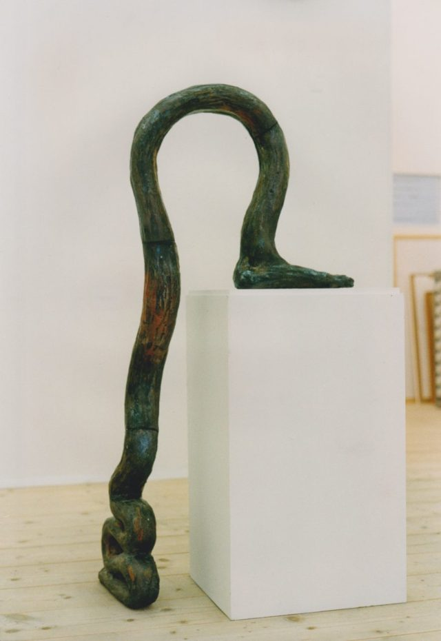 The sculpture leaves the plinth, raku 1992 by Henrik Bruun