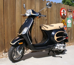 black_vespa Bikes and Other 2-wheelers Pinstriping by Herb Martinez, Livermore, CA. Serving the San Francisco Bay area.