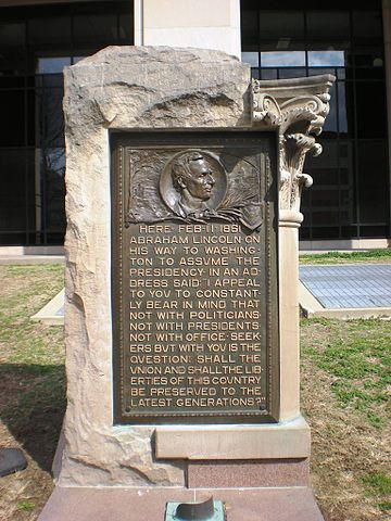 Abraham Lincoln commemorative plaque in Indianapolis, Indiana. via Wikipedia Saves Public Art - Flickr: Lincoln Plaque by Rudolf Schwarz (1907) [Control # IAS IN000016], CC BY 2.0.