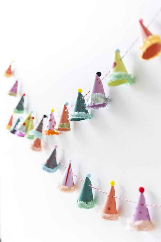 party_hat_garland03