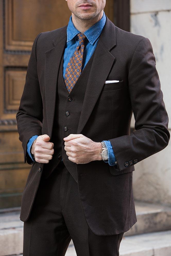 Dark Brown Suit Shirt and Tie Combinations
