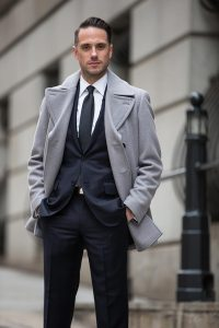 Dark Navy Suit: Classic Business Outfit Idea - He Spoke Style