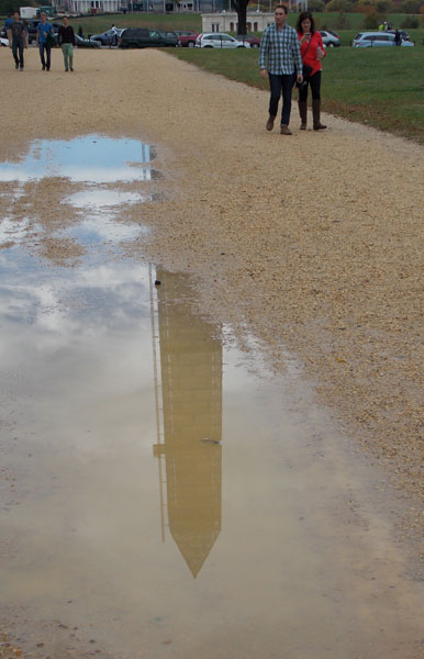washington-monument-puddle