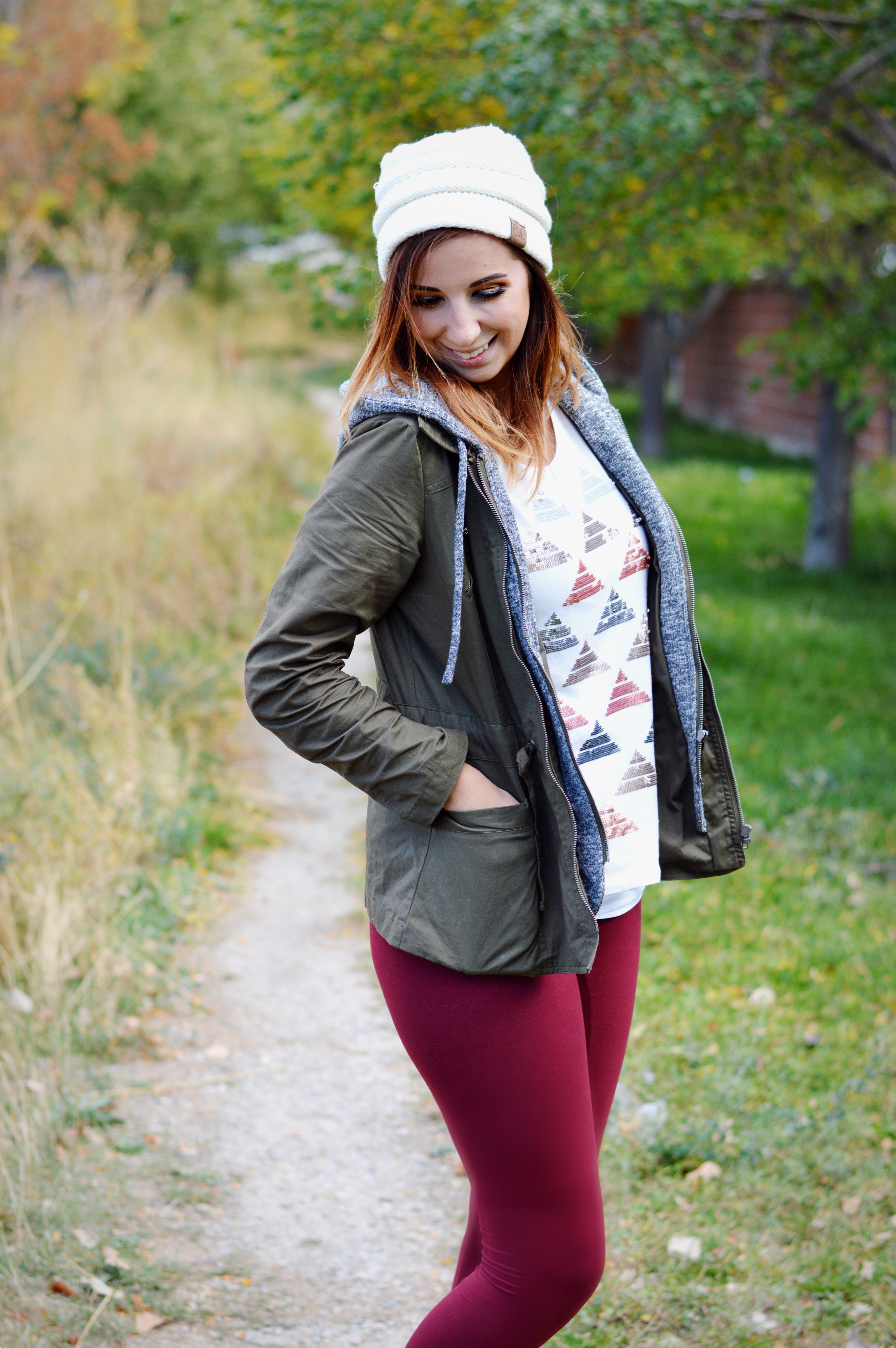 Are leggings pants? Thoughts on the leggings debate and two ways how to style them this fall featuring Simple Addiction's new leggings // Hey There, Chelsie