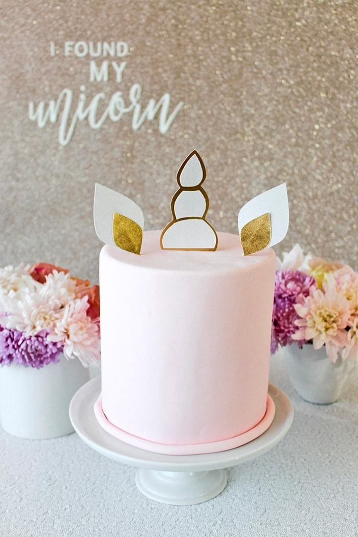 Cake Topper Selber Machen The Diy Unicorn Bridal Shower Of Your Dreams - Hey Wedding