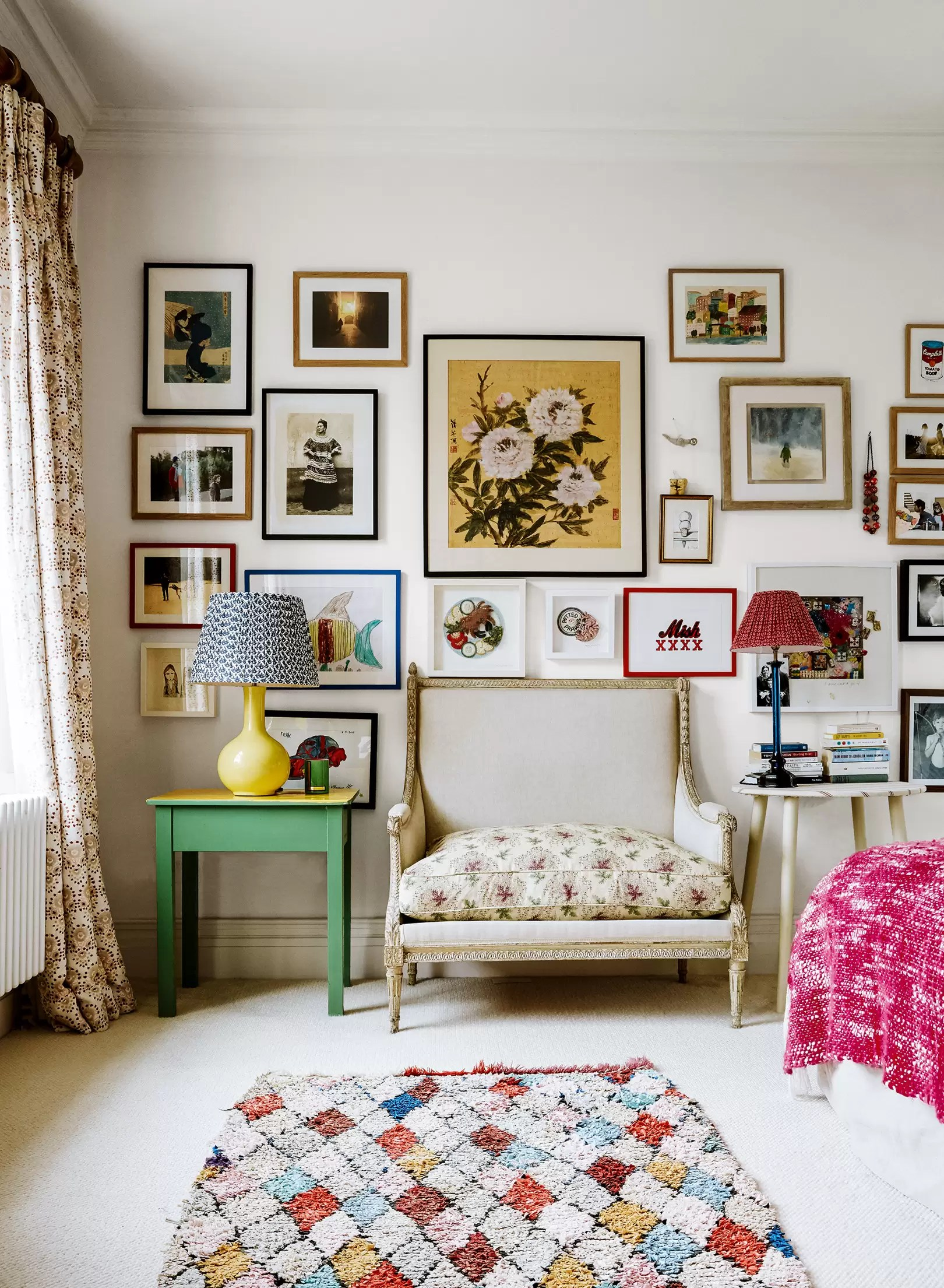 Art Decoration Magazine English How To Hang Pictures On Walls House Garden