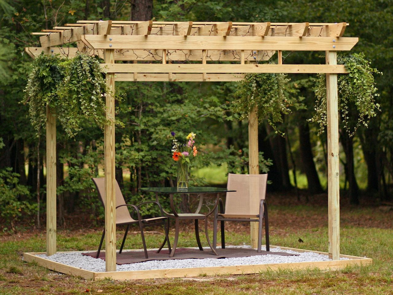Pergola Pflanzen 5 Diy Shade Ideas For Your Deck Or Patio Hgtv S Decorating