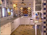 Create the Perfect Blue and White Kitchen | HGTV