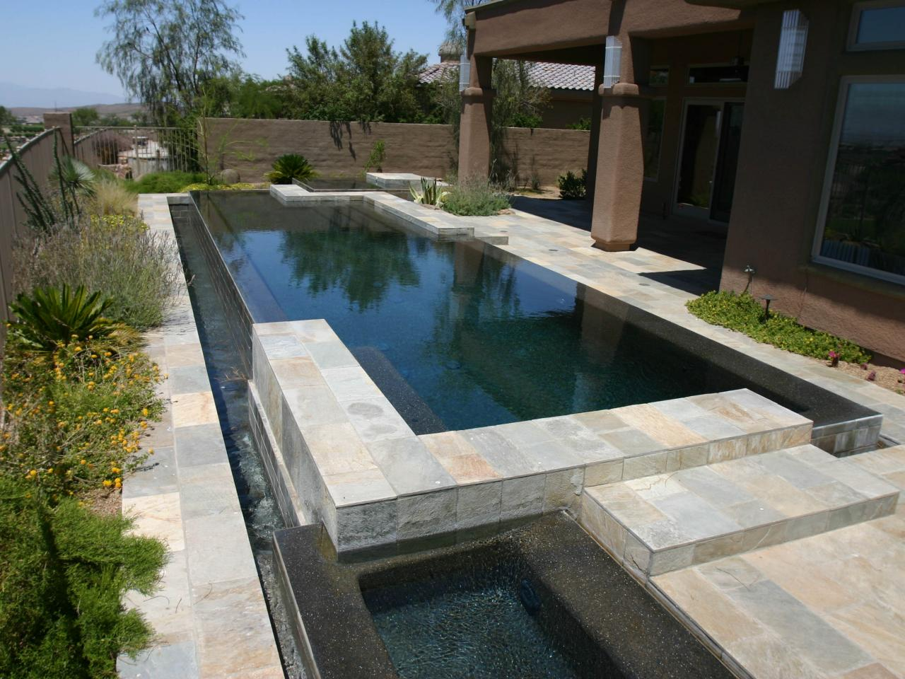 Pool Abdeckung Diy Modern Overflow Pool With Reflection Pond Hgtv