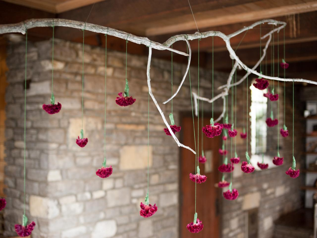 Holzstamm Dekoration How To Make A Hanging Branch Chandelier For Your Holiday