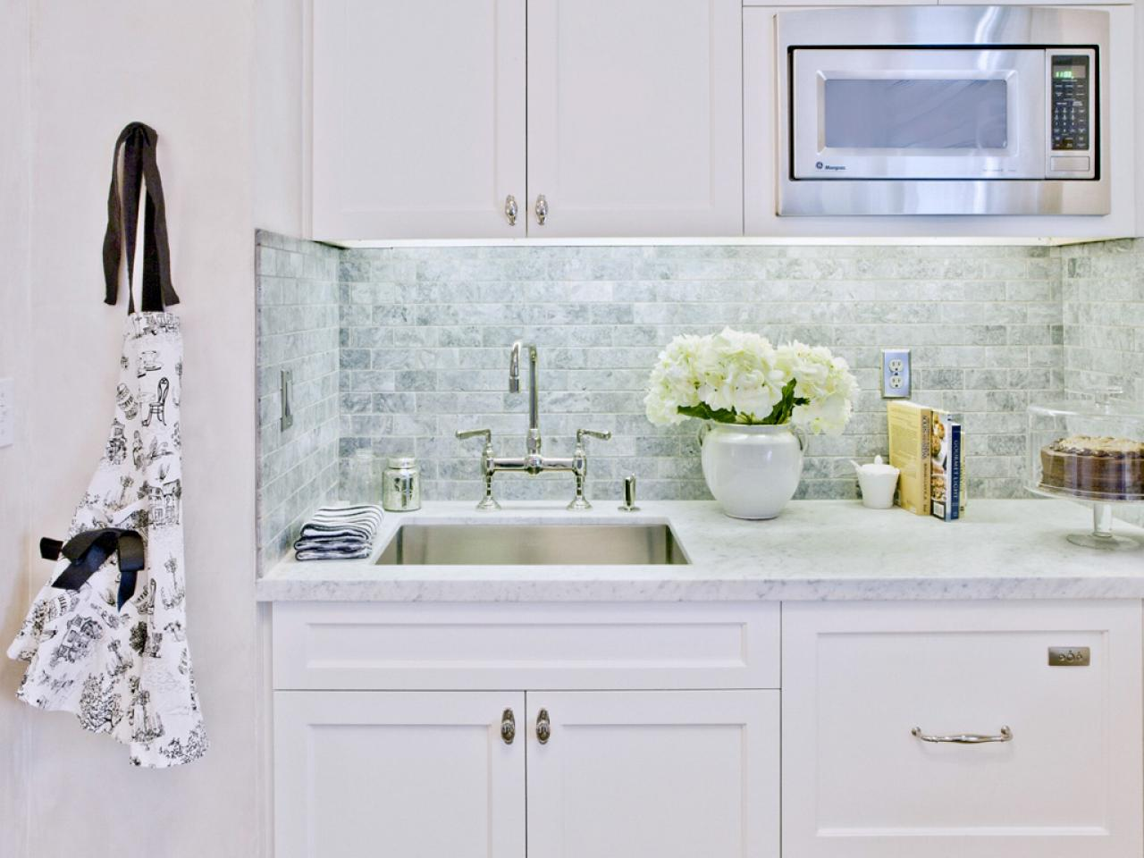 kitchen backsplash subway tile subway tile backsplashes pictures kitchen subway tile backsplash classic sweetest digs