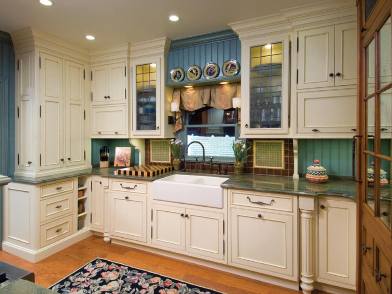 Quickest Way To Paint Kitchen Cabinets Painting Kitchen Backsplashes Pictures And Ideas From Hgtv