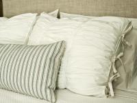 How to Sew Ruched Fabric Pillow Shams | HGTV