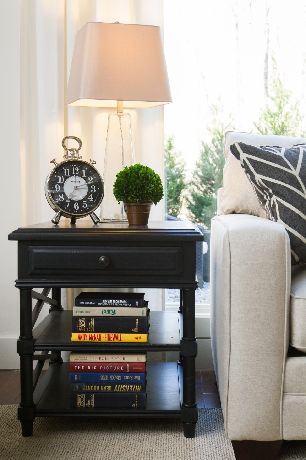 Accent Table Decor Ideas Elbow Room Hgtv