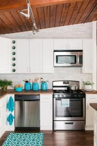 Repainting Kitchen Cabinets: Pictures, Options, Tips