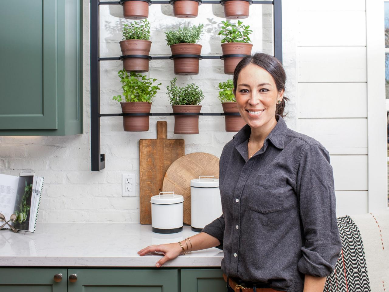 Bunnings Tv Wall Mounts Container Gardening Ideas From Joanna Gaines Hgtv 39s