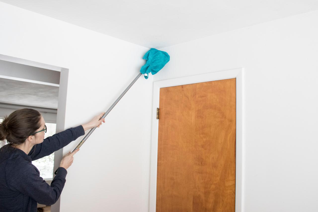 How To Clean Walls And Wallpaper Hgtv
