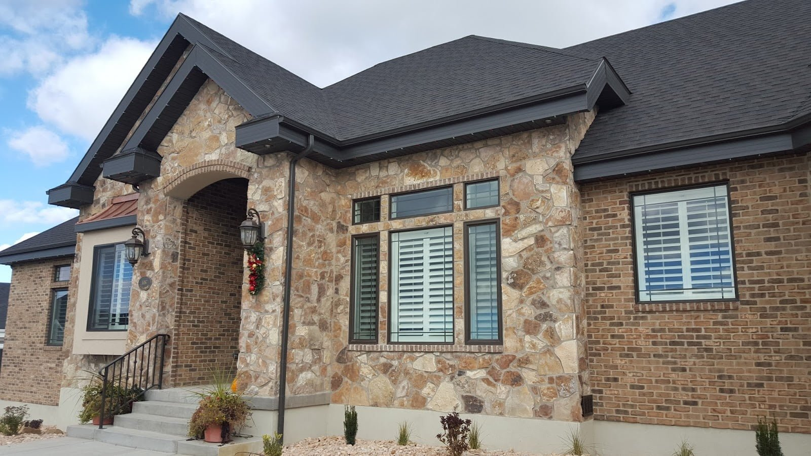 Brick And Stone Exterior Combinations Five Easy Steps To A Perfect Stone And Brick Combo Exterior